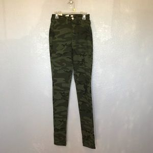 NWT Fashion Nova Green Camo Skinny Jeggings sz 1